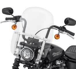 Harley-Davidson® Wind Splitter Quick-Release Compact 18 in. Windshield 57400327